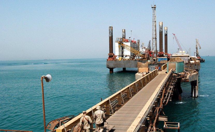 An oil platform of Iraq in Basra, Arabian Gulf. (U.S. Navy photo by Mass Communication 2nd Class Nathan Schaeffer/Released)