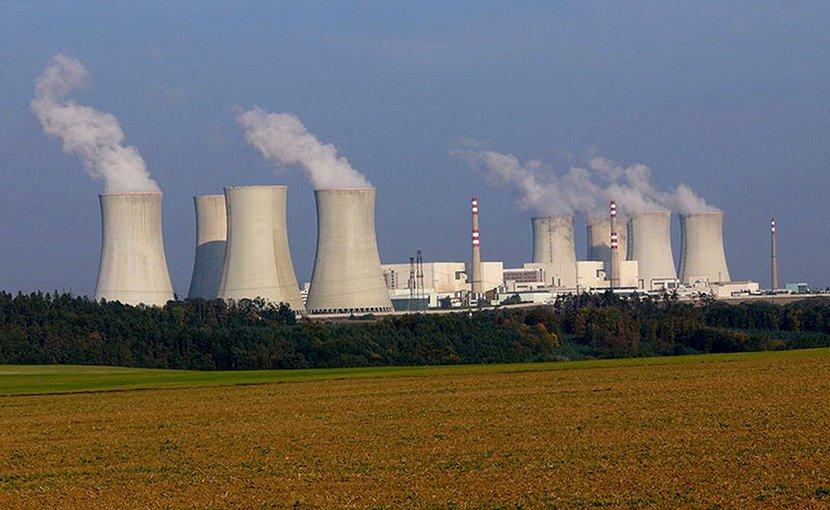 Nuclear power plant Dukovany, Czech Republic. Photo taken by Petr Adamek, Wikimedia Commons.