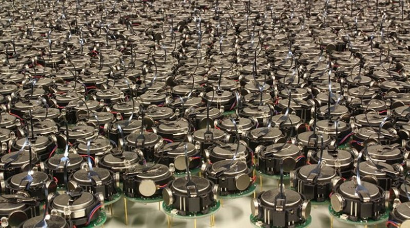 An example of a robot swarm is Kilobot, a thousand robot swarm developed at Harvard University. Photo Credit: asuscreative, Wikimedia Commons.
