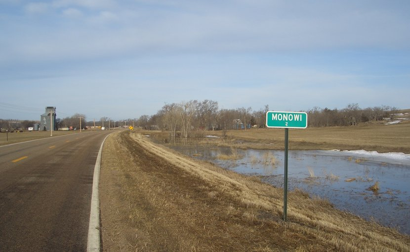 Population sign seen as one enters Monowi, Nebraska. Photo by Bkell, Wikipedia Commons.