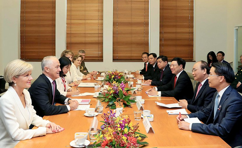 Talks between Vietnam's PM Nguyen Xuan Phuc and Australia's PM Malcolm Turnbull. Photo: VGP
