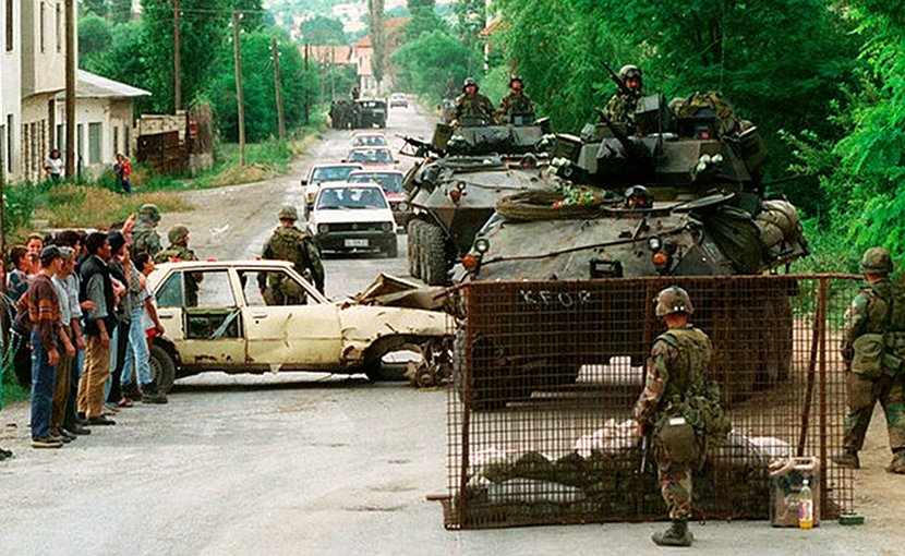 US Marines in Kosovo in June 1999. Photo: Craig J. Shell, US Marine Corps.