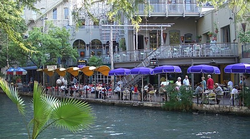 San Antonia, Texas, riverwalk. Photo Credit: Wikipedia Commons.