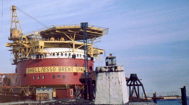 Brent Spar platform. Photo by Quistnix, Wikipedia Commons.