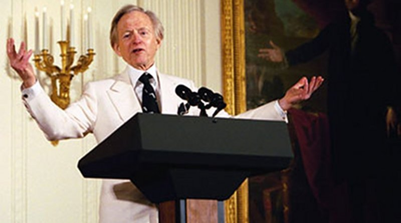 Tom Wolfe. White House Photo by Susan Sterner.