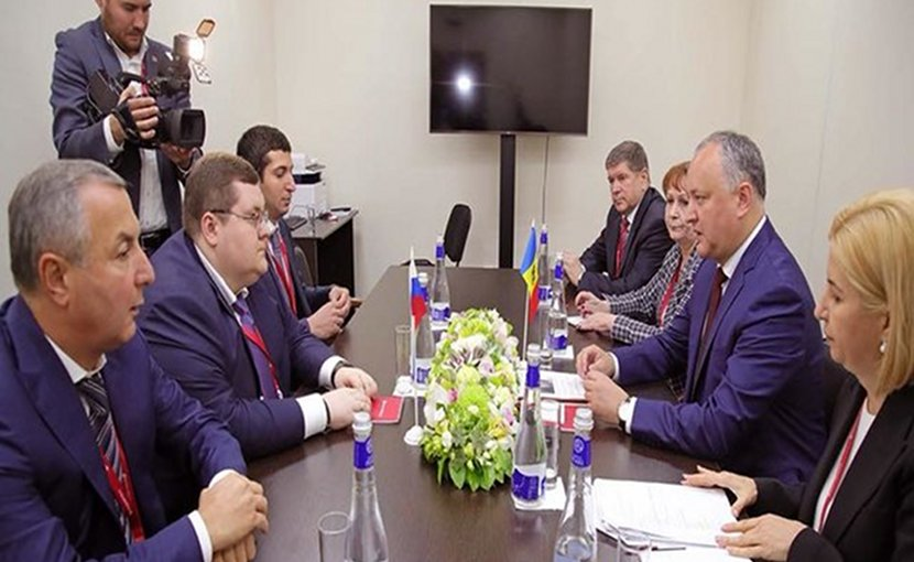 Moldovan president Igor Dodon in a meeting with Russian businessman Igor Chaika in Sankt-Peterburg economic forum on May 24, 2018. Photo: Igor Dodon Facebook account.