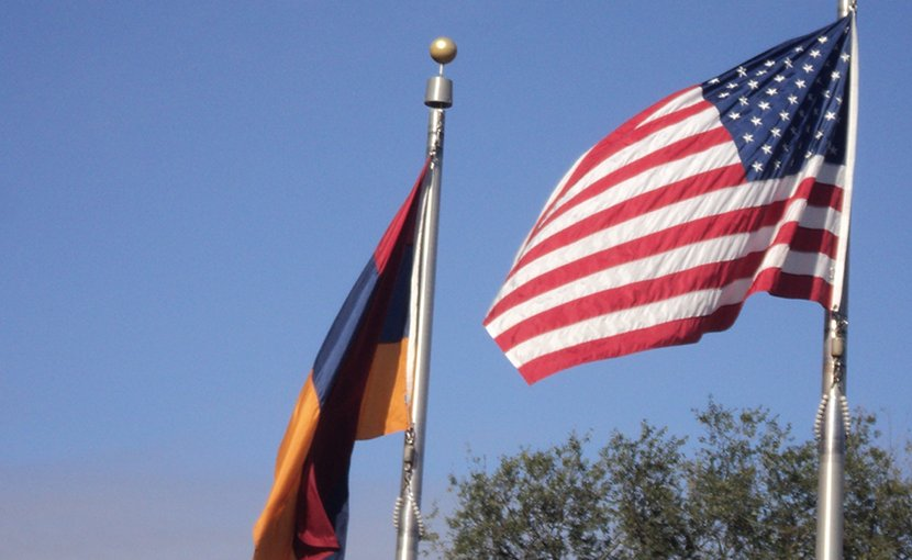 Flags of Armenia and United States. Photo Credit: Yerevanci, Wikimedia Commons.