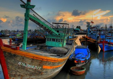 Vietnamese fishing boats. Photo Credit: Lucas Jans, Wikimedia Commons.