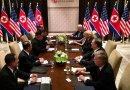 The expanded bilateral meeting between both the United States and North Korean delegations including Donald Trump and Kim Jong-un on June 12 in Sentosa. Credit: Wikimedia Commons.