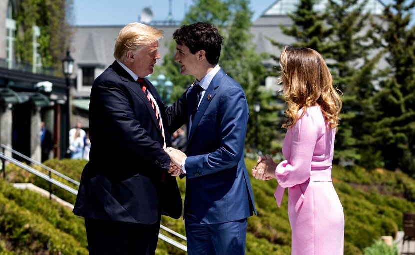 Canadian Prime Minister Justin Trudeau and his wife Mrs. Sophie Grégoire Trudeau welcome President @realDonaldTrump at the Fairmont Le Manoir Richelieu, in Charlevoix, Canada for the G7Summit. Photo Credit: White House.