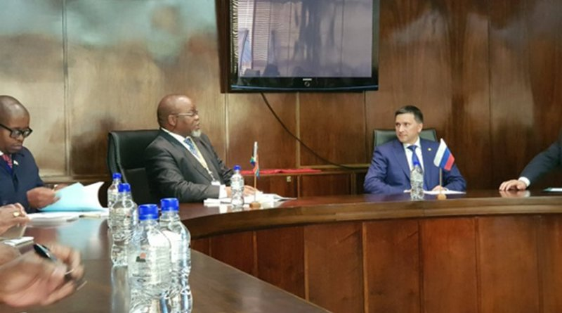 The South African and Russian Ministers of Mineral Resources strategise to maintain value of platinum. Photo Credit: SA News.