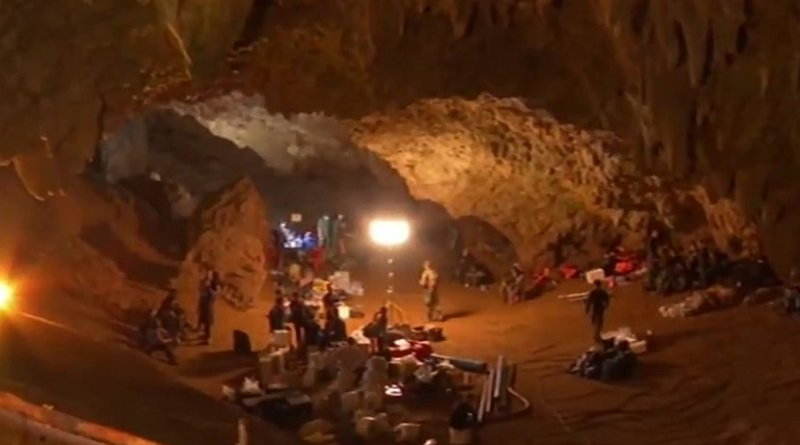 Personnel and equipment in the entrance chamber of Tham Luang (Thailand) cave during rescue operations. Photo Credit: NBT, YouTube, Wikimedia Commons.