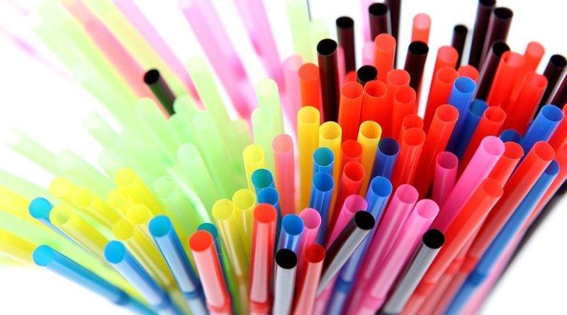 plastic straws
