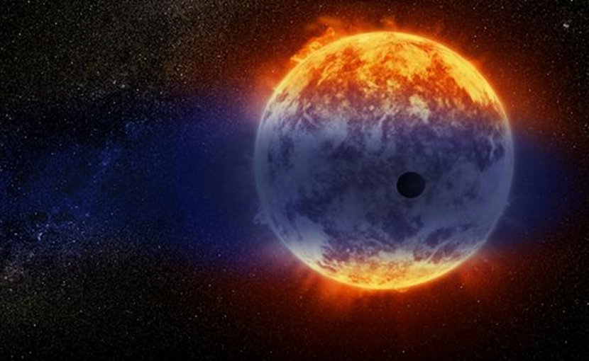 This artist's illustration shows a giant cloud of hydrogen streaming off a warm, Neptune-sized planet just 97 light-years from Earth. The exoplanet is tiny compared to its star, a red dwarf named GJ 3470. The star's intense radiation is heating the hydrogen in the planet's upper atmosphere to a point where it escapes into space. The alien world is losing hydrogen at a rate 100 times faster than a previously observed warm Neptune whose atmosphere is also evaporating away. Credit © Crédit NASA, ESA, and D. Player (STScI)