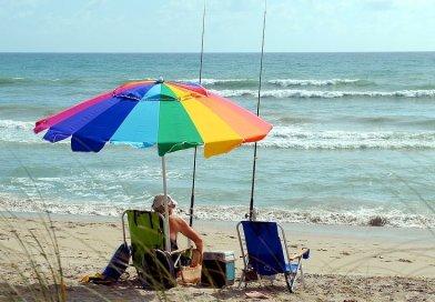 retirement retire elderly fishing beach