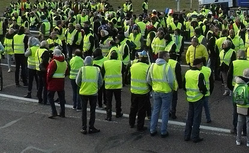 File photo of Yellow Vest protestors. Photo by Obier, Wikipedia Commons.