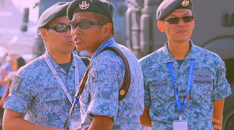 Members of Singapore's Air Force. Photo Credit: RM Bulseco, Wikipedia Commons.