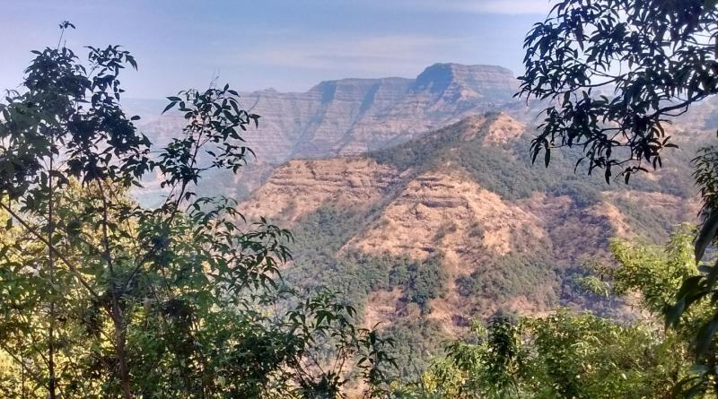 Layered lava flows within the Wai Subgroup from near Ambenali Ghat, Western Ghats. Credit Courtney Sprain