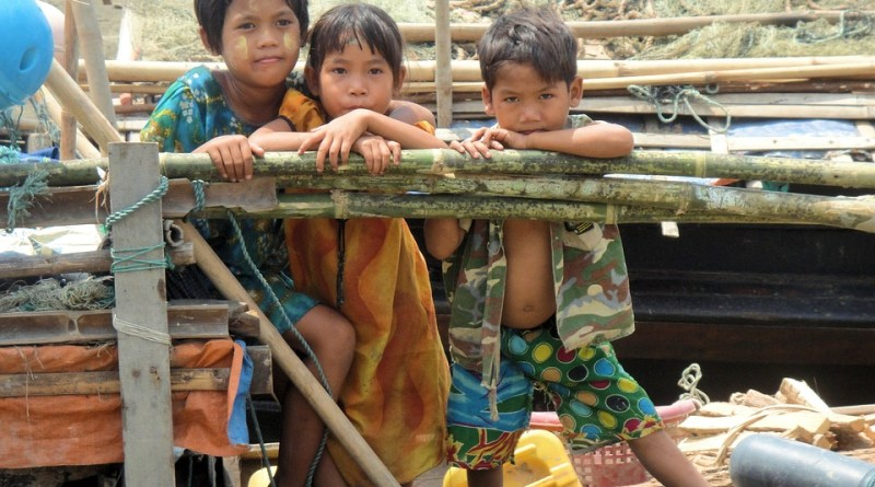 Children in Myanmar/Burma