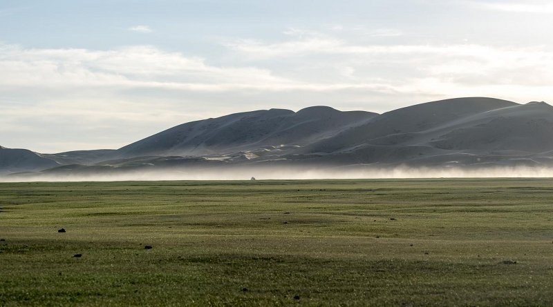 The sand dunes of Mongol Els jutting out of the steppe in Mongolia. Many of these desert barriers only appeared after the Last Glacial Maximum (~20,000 years ago). Credit Nils Vanwezer
