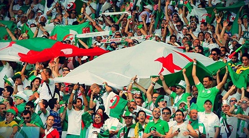 Algerian soccer fans
