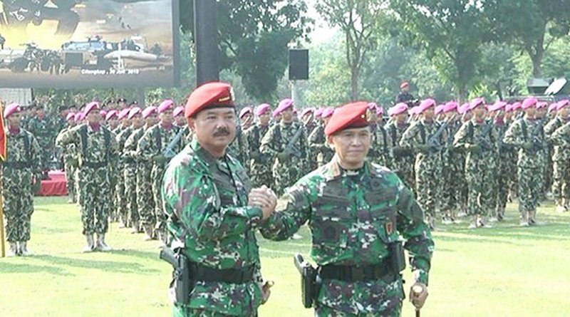 Indonesian military chief Air Marshal Hadi Tjahjanto (left) and Brig. Gen. Rochadi clasp hands during the launch ceremony of the Special Operations Command (Koopsus) in East Jakarta, July 30, 2019: Photo Credit: Rina Chadijah/BenarNews