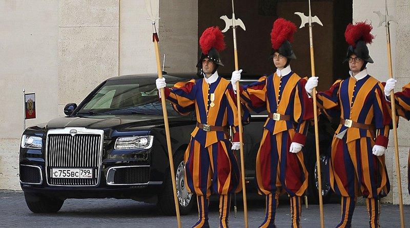 Swiss Guard at Vatican. Photo Credit: Kremlin.ru