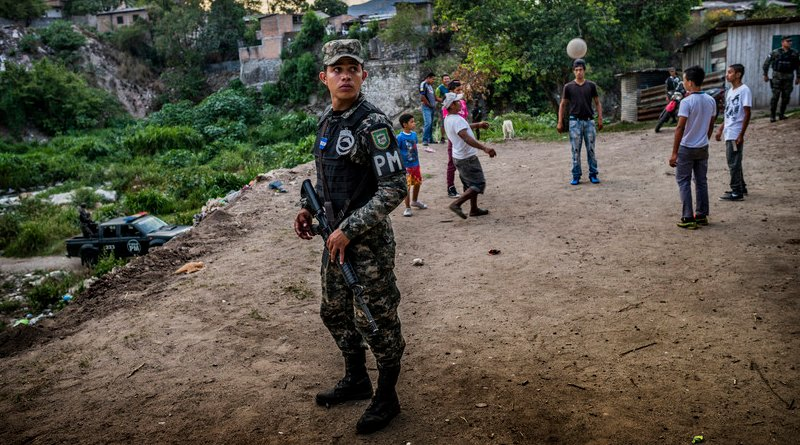 "Despite presence of armed forces in Honduras, children rarely leave home, even during daytime, and gangs restrict families' movements by imposing ""invisible borders"" between gang territories, 2016 (EU Civil Protection and Humanitarian Aid Operations/Antonio Aragón Renuncio)"