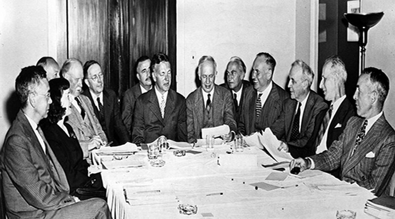 The Hutchins Commission, chaired by Robert Hutchins. Credit:University of Chicago Photographic Archive,apf1–05439,Special Collections Research Center, University of Chicago Library.