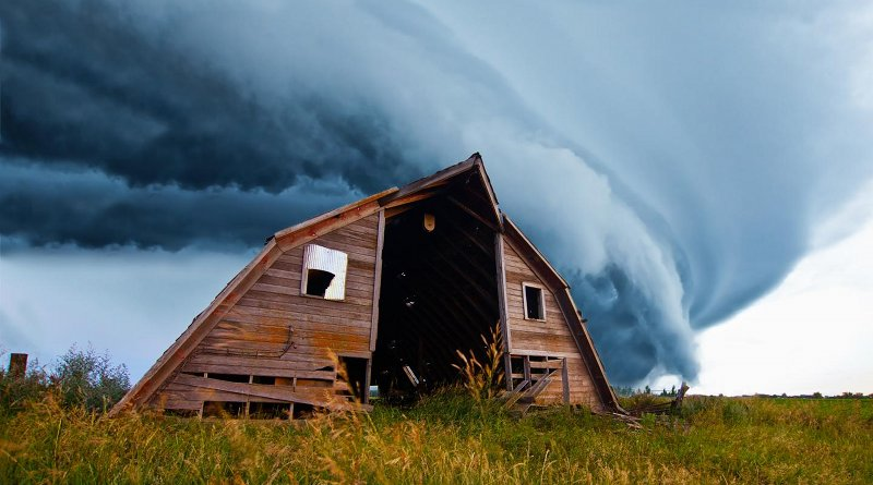 Tornado behind barn. Credit University of Tennessee.