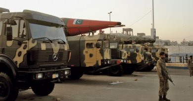 Military truck carrying intermediate-range ballistic missile of Pakistani army, November 27, 2008 (Courtesy SyedNaqvi90)