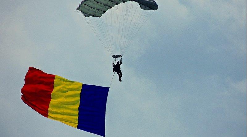 parachute flag romania