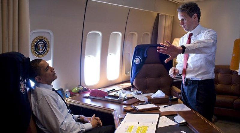 Timothy Geithner and US President Barack Obama aboard Air Force One, 2009. Photo Credit: Pete Souza, White House