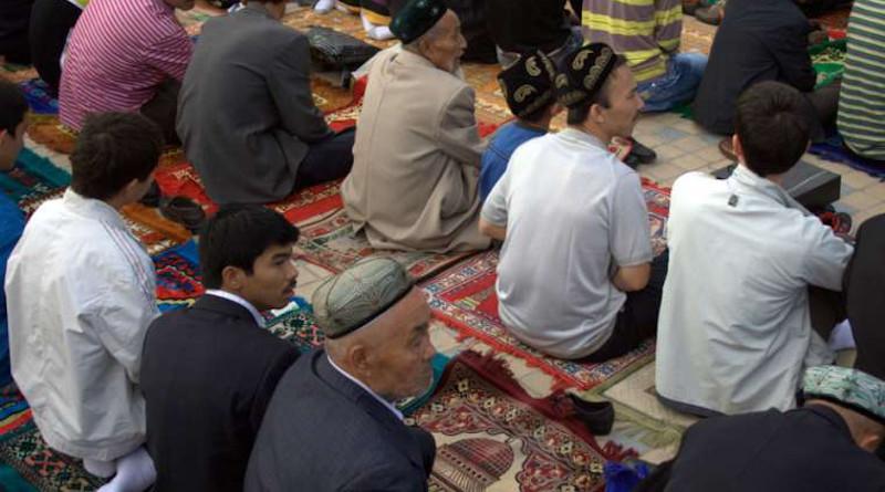 Uyghurs at a mosque in Kashgar, Xinjiang, China, September 2010. Credit: Preston Rhea via Flickr (CC BY-SA 2.0).