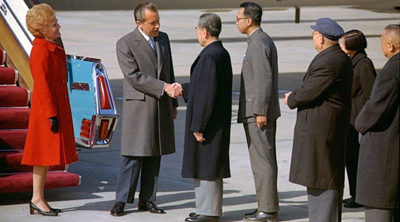 U.S. President Nixon shakes hands with Chinese Premier Zhou Enlai. Source: Wikimedia Commons
