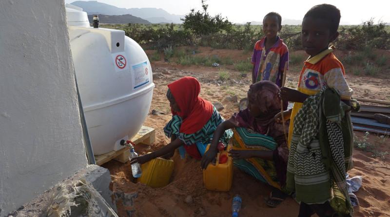Installing a REvivED water desalination unit at the village of Beyo Gulan, Somaliland (photo credits: Phaesun).
