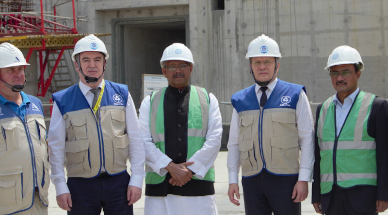 Rosatom Director General Alexey Likhachov (second from right) during a visit to the Rooppur construction site (Image: Rosatom)