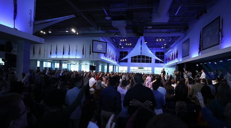 A church service at Revival Ministries International in Tampa Bay, Florida, March 18, 2020 © Facebook/Rodney & Adonica Howard-Browne