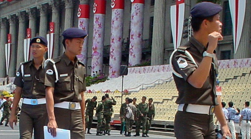 Members of the Singapore Armed Forces. Photo Credit: Huawei, Wikipedia Commons