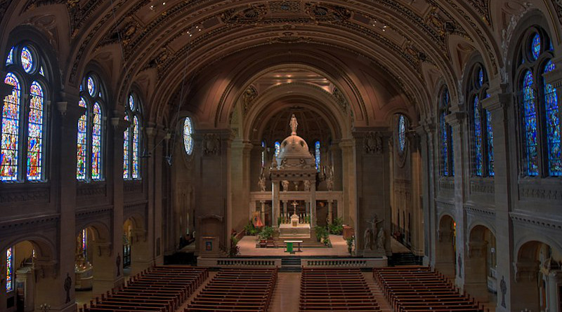 Interior of the Basilica of Saint Mary, Minneapolis, Minnesota. Photo Credit: August Schwerdfeger, Wikipedia Commons