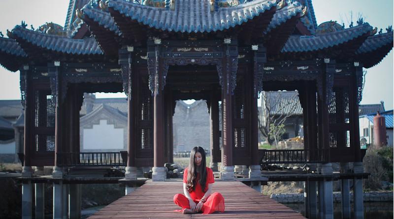 Zen China Wind Portrait Woman Red Grace A Separate