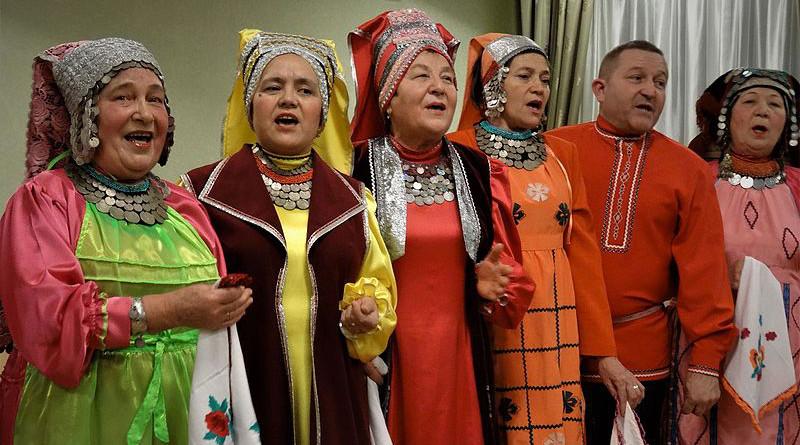 Kryashens in traditional dress in Russia. Photo Credit: Алексеев Игорь Евгеньевич, Wikipedia Commons