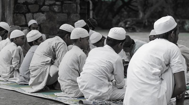 Islam Muslims Group Study India Reading Quran