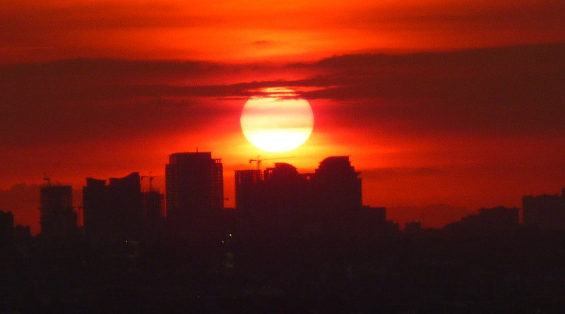Manila Sunset Philippines Big Sun Evening Dusk