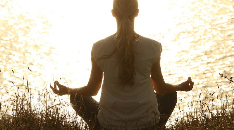 Yoga Meditate Meditation Peaceful Silhouettes Sunset Woman