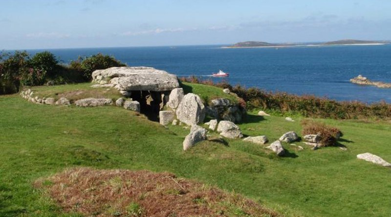 A Bronze Age entrance grave ('Bant's Carn') on St Mary's, Isles of Scilly. Photo credit: © Cornwall Archaeological Unit, Cornwall Council CREDIT: Cornwall Archaeological Unit, Cornwall Council