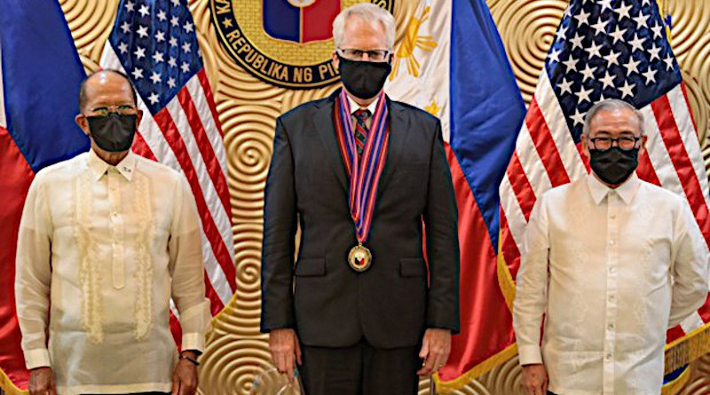 Acting U.S. Defense Secretary Christopher Miller (center) is flanked by Filipino Defense Secretary Delfin Lorenzana (left) and Foreign Secretary Teodoro Locsin Jr. during a meeting in Manila, Dec. 8, 2020. [Handout photo from the U.S. Embassy in Manila]