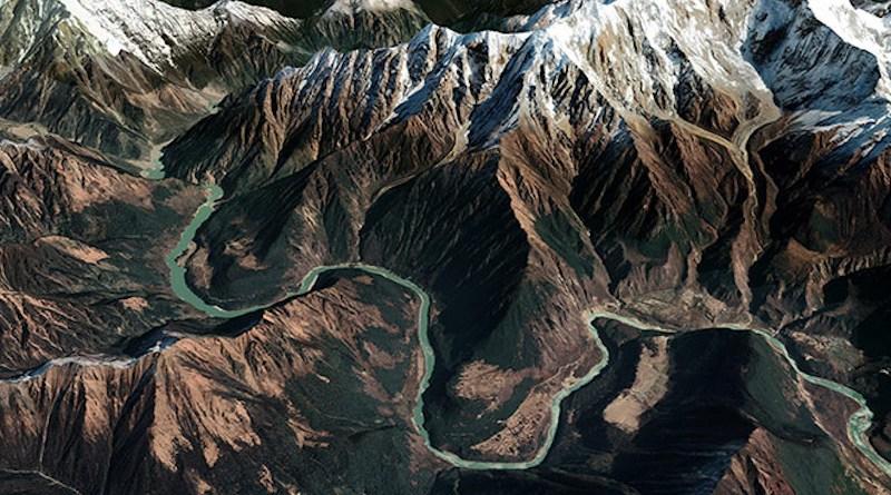 The Yarlung snaking its way in between the lofty peaks of Namcha Barwa (R) and Gyala Peri (L) | Source: Google Earth