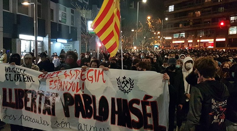 Demonstration in Barcelona against Pablo Hasél's incarceration. Photo Credit: Jordiventura96, Wikipedia Commons