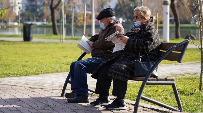 coronavirus mask covid-19 Grandfather Grandmother Elderly People Newspaper